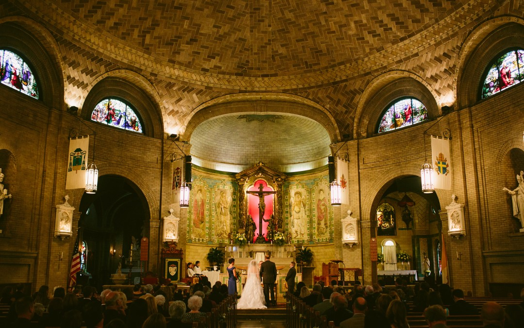 Snowy Wedding at the Basilica of Saint Lawrence